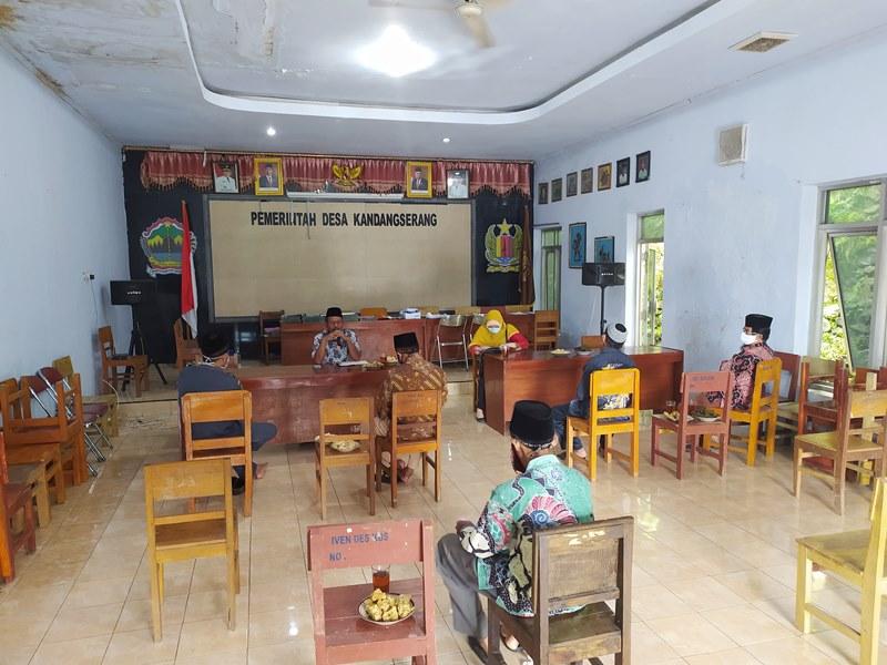 Koordinasi Pemerintah Desa Kandangserang terkait Covid-19
